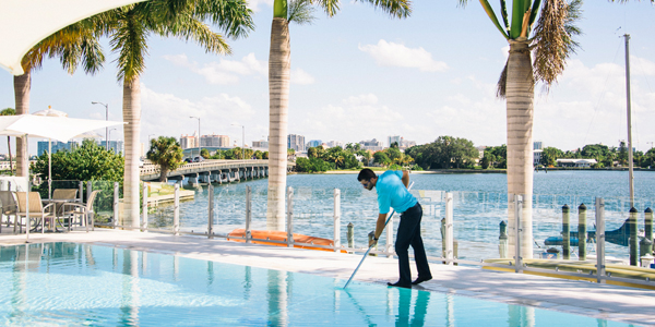 commercial pool service Tampa